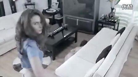 『开心广告』399-美女衣服连连撕