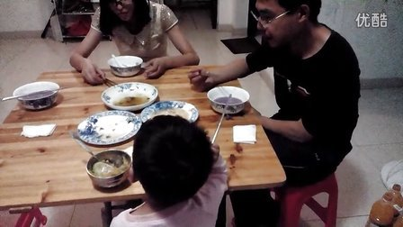 """梧桐书院3岁MARY妙答""""为什么要送红包""""——PK爸爸去哪儿萌宝宝"""