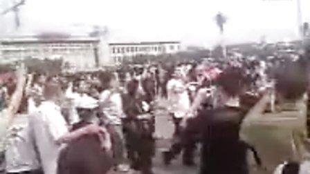 08汶川地震。北京天安门广场为灾区人民加油
