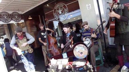 西雅图遊在第一間星巴克前的超強創意街頭表演