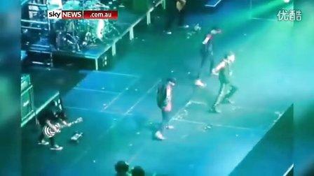 Justin Bieber 澳大利亚悉尼演唱会遭6只鸡蛋投掷袭击
