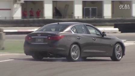 Sebastian Vettel in the Infiniti Q50 at the Al Forsan Circui