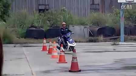摩托车路试