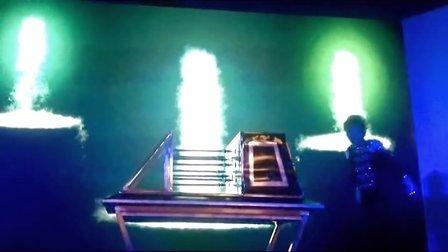 尚伯艺-大型魔术火箭穿人