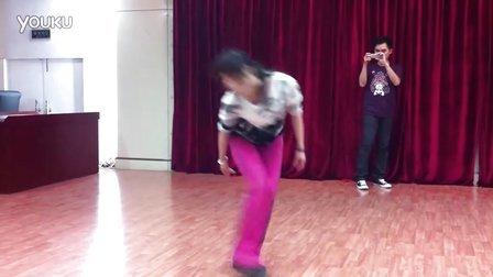 老师教的舞第一段