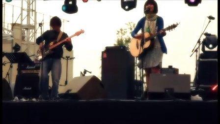 2011 草莓音乐节 安妮朵拉,女孩与机器人