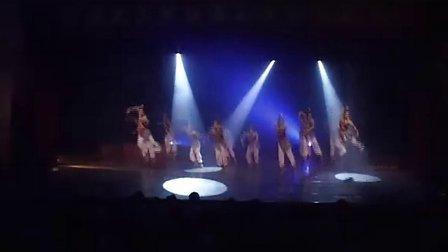男女群舞《梦非梦》