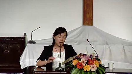 基督教牧师讲道 基督教教堂里领唱赞美诗的女高音20110417