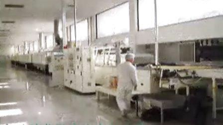 饼干微波干燥线现场,科威微波设备,休闲食品微波干燥设备