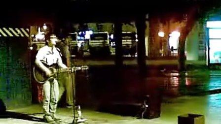 一街头歌手的《传奇》