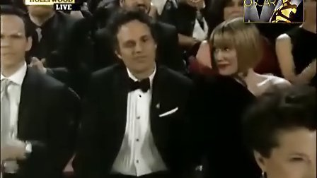 第83届奥斯卡颁奖礼 克里斯蒂安-贝尔凭《斗士》获最佳男配奖