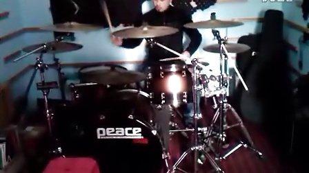 练鼓时即兴打的!