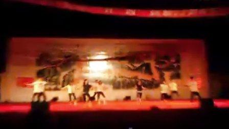 四川省阆中市思依中学高2012级四班的《舞动全城》