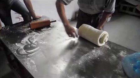 酥饼机试机现场实录金华酥饼四川麻饼南通脆饼北京至远日升食品机械设备