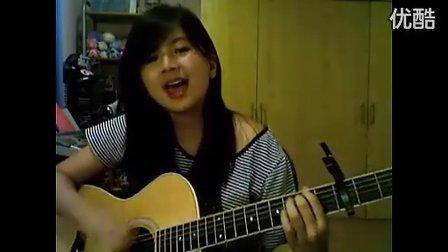 很有感觉的美女吉他弹唱