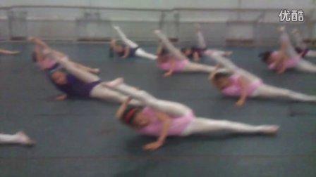 山东省烟台艺术学校校外舞蹈培训班少儿2班的小朋友