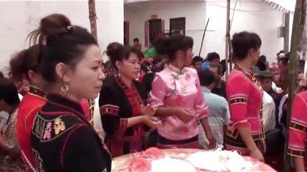 很有民俗特色的海南省保亭黎苗族自治县毛感乡番奋村庆母亲节活动