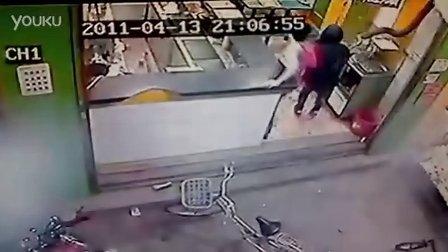 廣東省汕頭市新溪鎮黑社會勢力暴力猖狂,公開挑釁當地公安干警