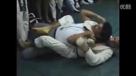 巴西柔术vs功夫,柔道,空手道...