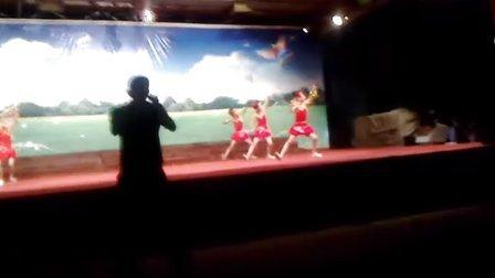 娄家店中心小学夏令营晚会一,二年级舞蹈
