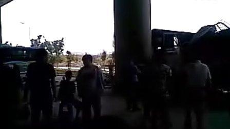 """福建工程学院鳝溪校区货车""""亲""""319公交车"""