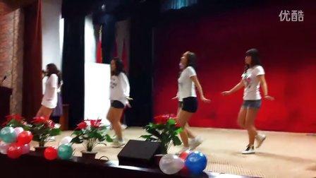 抢救室美女街舞表演