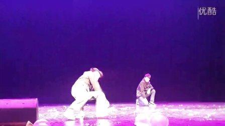 2013北京交通大学健美操大赛中场表演