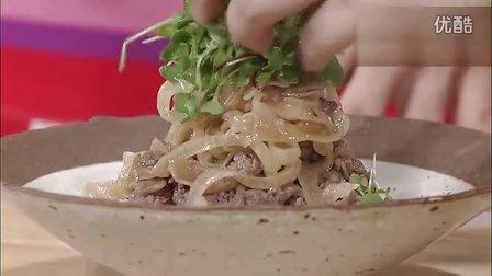 学做韩国料理(拌洋葱,烤肉拌饭,海鲜鸡蛋汤)
