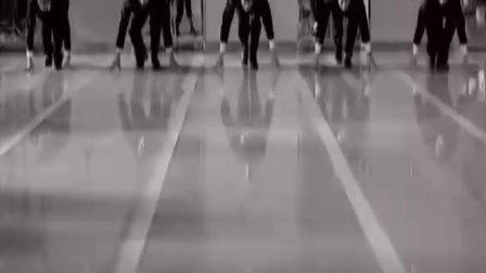何炅励志歌曲《向前奔跑》MV