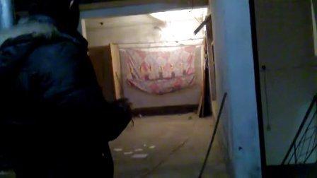 波仔练习无架弹弓6米打易拉罐