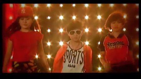 """9岁""""嘻哈小天王""""宋艺飞原唱单曲《超级偶像》MTV!"""