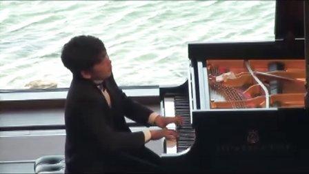 黎卓宇(George Li)弹奏李斯特音乐会练习曲Waldesrauschen.