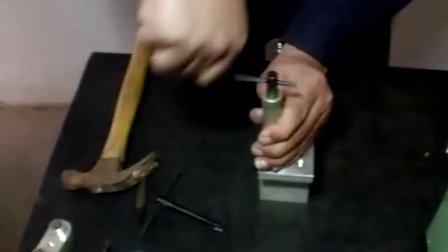 钢丝螺套手动扳手安装过程-新乡市天奇机械有限公司
