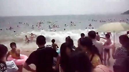 深圳大梅沙涨潮