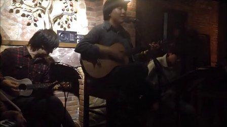 《屋顶上的猫咪》玫瑰木乐队原创歌曲