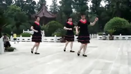 姜堰姐妹广场舞 恰恰 敖包相会