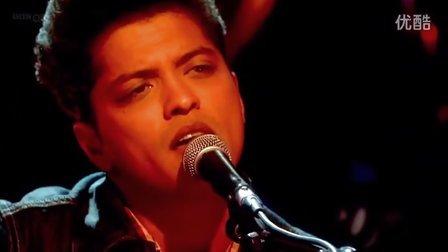 Bruno Mars - Grenade (The Graham Norton Show)