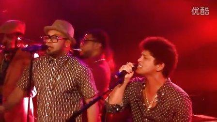 Moonshine (live) - Bruno Mars Showcase