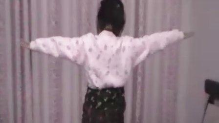 4到10岁儿童严裆裤的穿脱方法