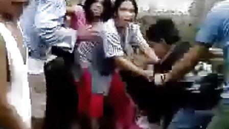 菲律宾女孩打架群殴