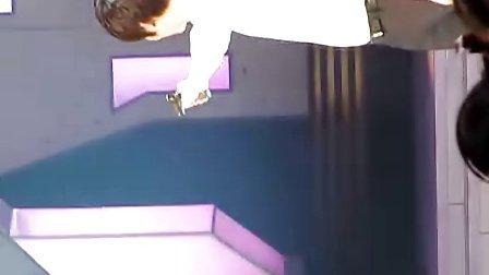 李敏镐快乐大本营打气球。.flv