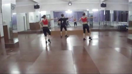 黎塘广场舞(泽美健身队)-《  印  巴  舞  》(反面)