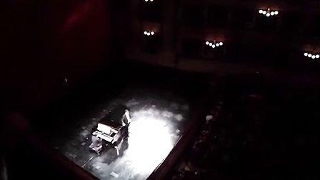Juan Diego Flórez sings -La donna è mobile-2013.11.18
