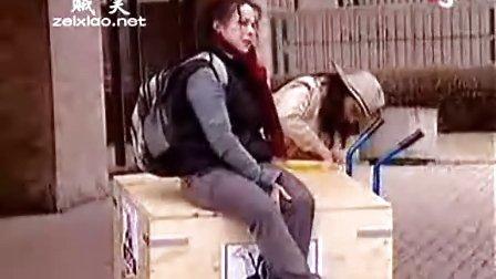 国外恶搞视频之帮忙照看大猩猩