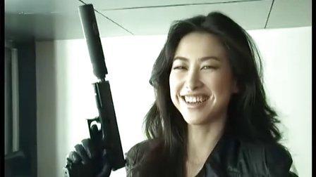 朱珠担任路虎全球互动电影女主角 第一次吊危崖胆大人更美