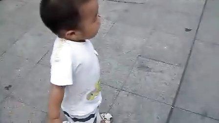 毛豆:小鬼当街