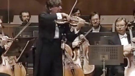 Viktor Tretyakov于1994年在日本演奏柴可夫斯基小提琴协奏曲