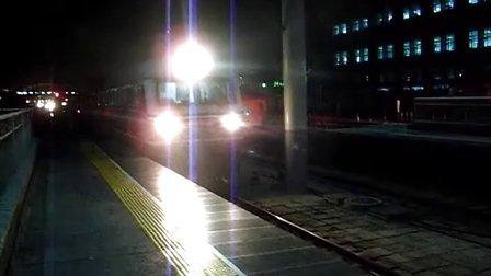 DF11 0050在天津站挂T133