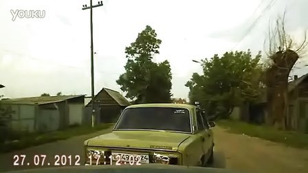 NEW Russian Mom and her Sons Road Rage in Russia