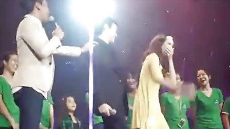 bie教美女min跳Look Like Love的舞蹈